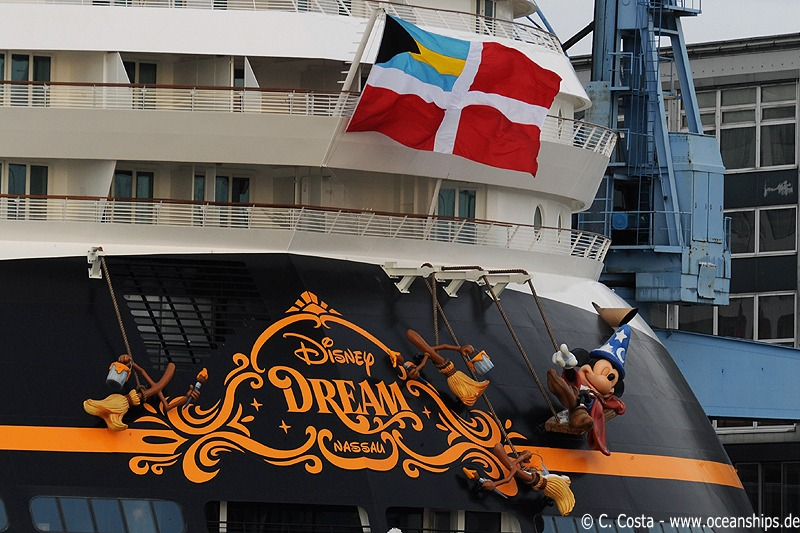 Disney Dream is registred in Nassau on the Bahamas.