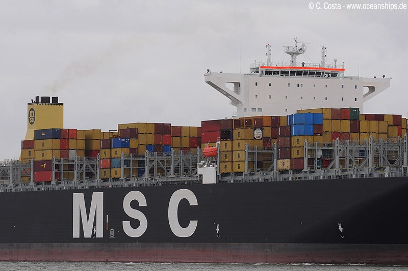 MSC Daniela was the very first super-postpanmax-containervessel with a seperated wheelhouse and funnel.