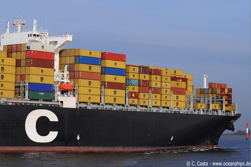 MSC Daniela arrives in Bremerhaven with a draft of 14.15 metres.