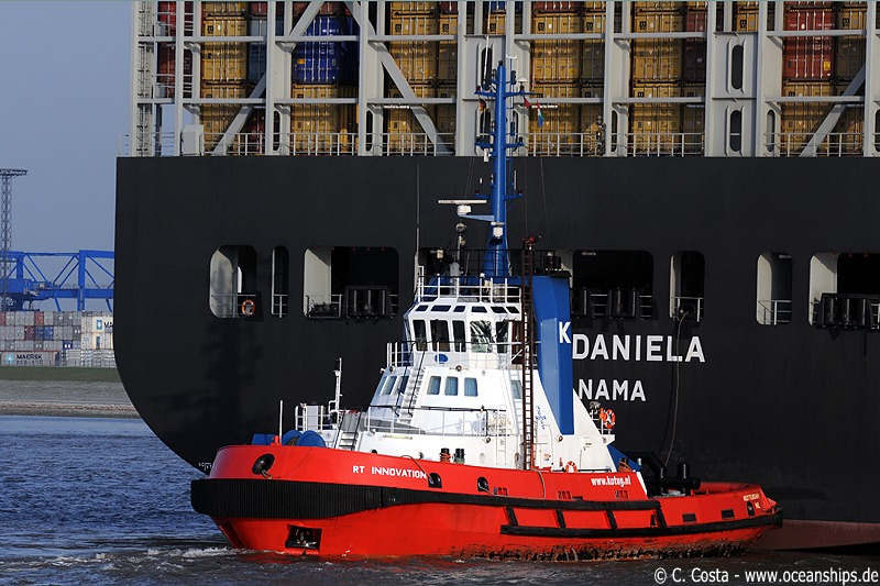 RT Innovation is supposed to be MSC Daniela's stern tug...