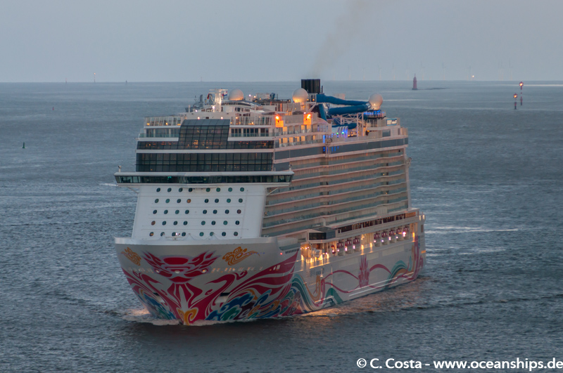 Norwegian Joy001