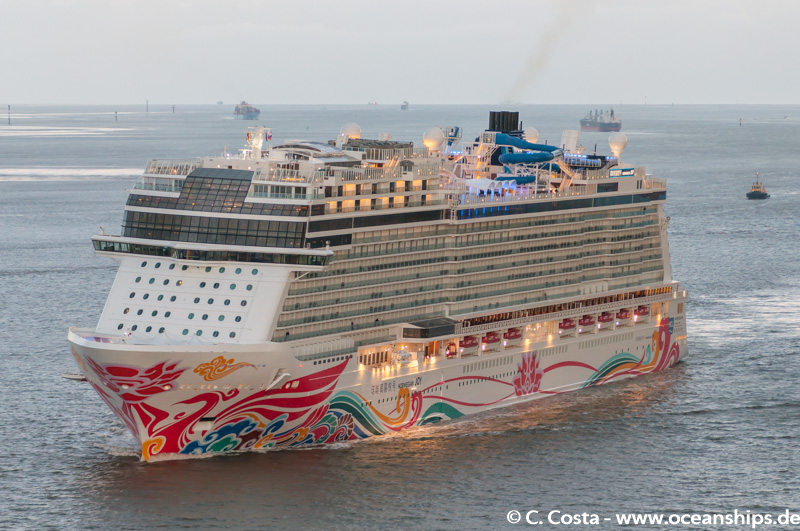 Norwegian Joy005