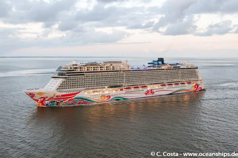 Norwegian Joy022